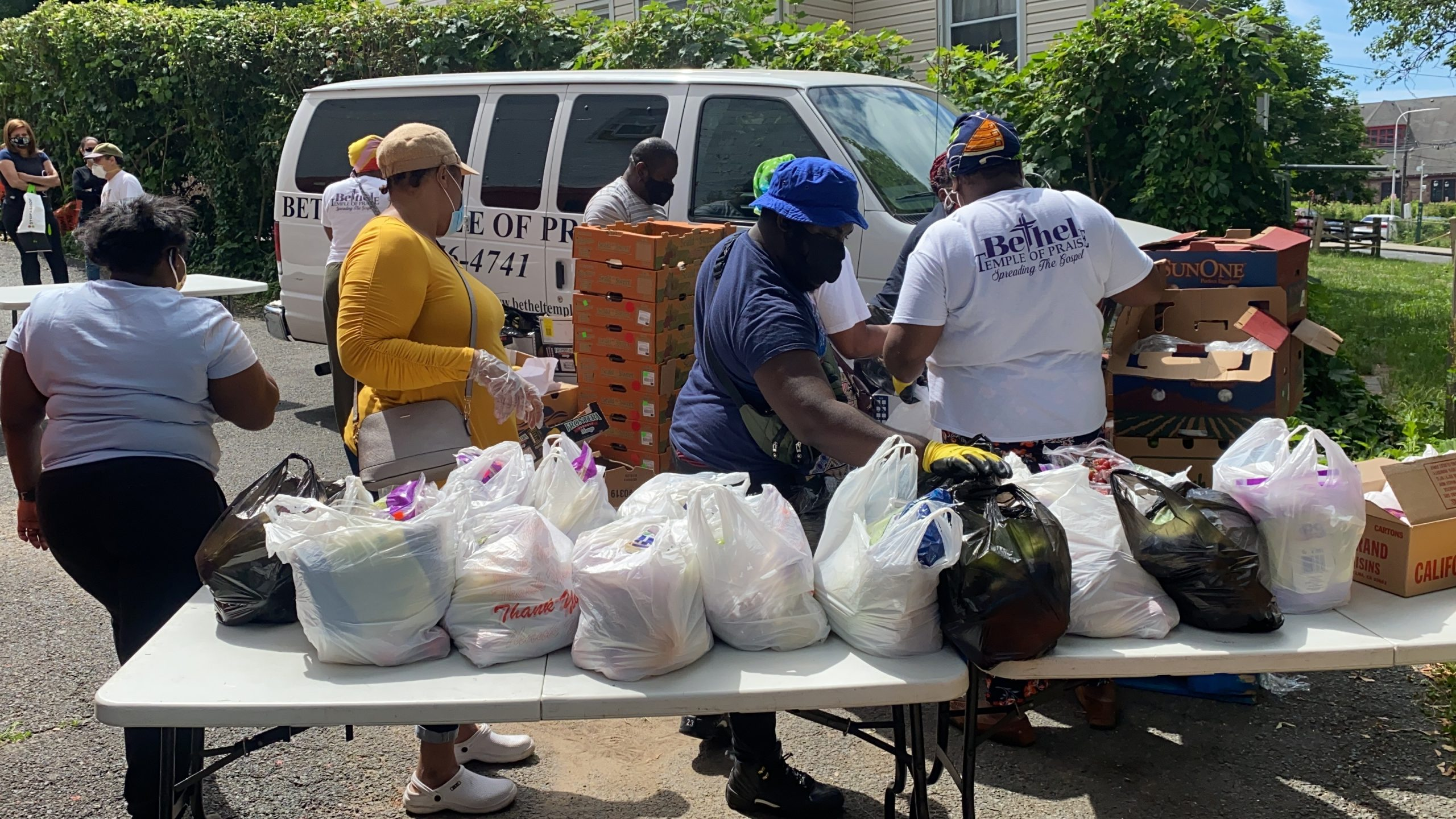 Outreach: Food Pantry
